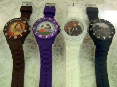 ceasuri de mana colorate mari, personalizate cu poza