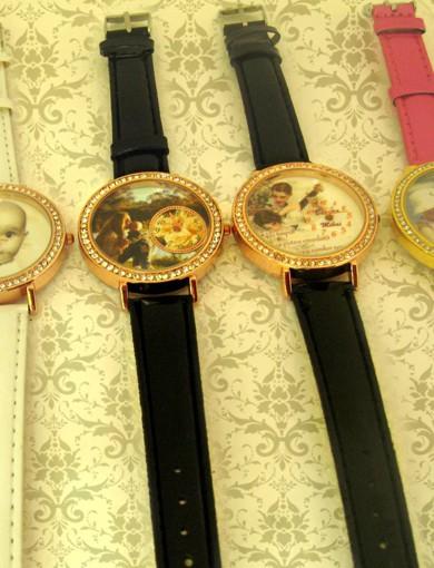 ceasuri de mana  personalizate cu poze, cadouri speciale