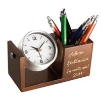 Ceasuri personalizate din lemn pt birou cu suport pix, cadouri