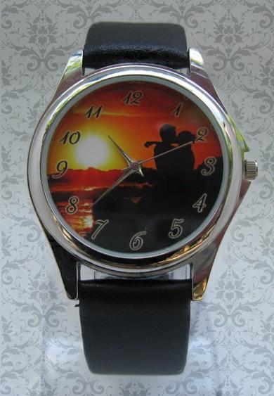 ceas unisex rotund, personalizat cu poze