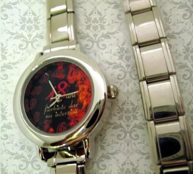 ceas dama mic, rotund argintiu, personalizat cu poze, cadoul perfect pt  ea