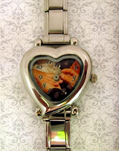 ceas dama in forma de inima, personalizat cu poze, cadoul perfect pt  ea
