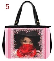 Genti si posete personalizate, flori roz romantice